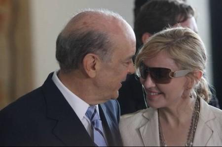 A cantora deixou-se seduzir pela beleza, inteligência e simpatia do Presidente de Nascença
