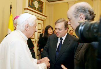 O Papa emocionou-se ao receber o futuro Beato em pessoa.