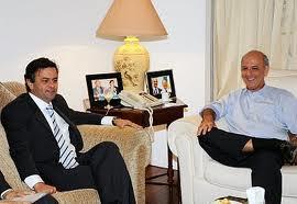 O magnata e benfeitor do panetone, Sr. Demoarruda Bauducco, aconselhou Tancredo em reunião privada antes do discurso.