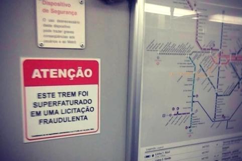REVOLTA: O helipóptero pergunta:  porque está preso se os trens de São Paulo estão soltos?