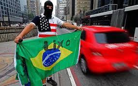 PATRIOTISMO: Os eleitores infantis paulistas fizeram questão de manifestar seu amor pela Pátria.